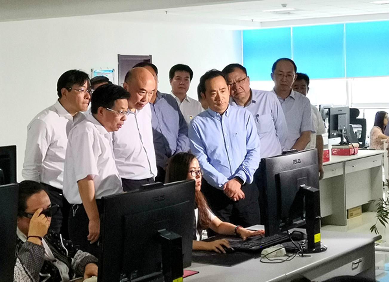 陕西省省长刘国中到航测局调研指导