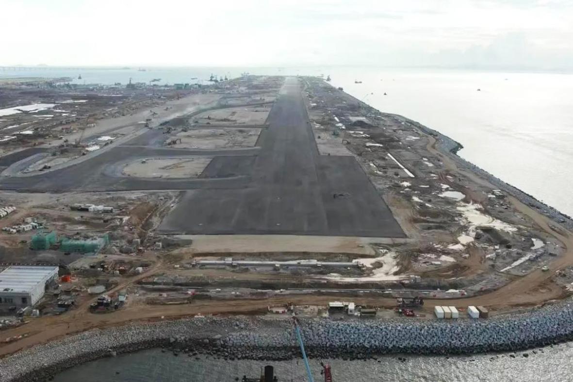 总局参建的香港国际机场第三跑道铺设工程竣工